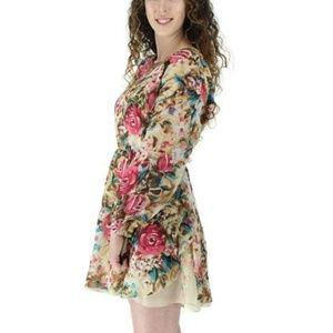 Very Moda Dresses - NWT BOUTIQUE FLORAL PULL OVER LONG SLEEVE DRESS
